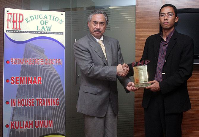 Prof. Dr. T. Gayus Lumbuun, SH., MH.